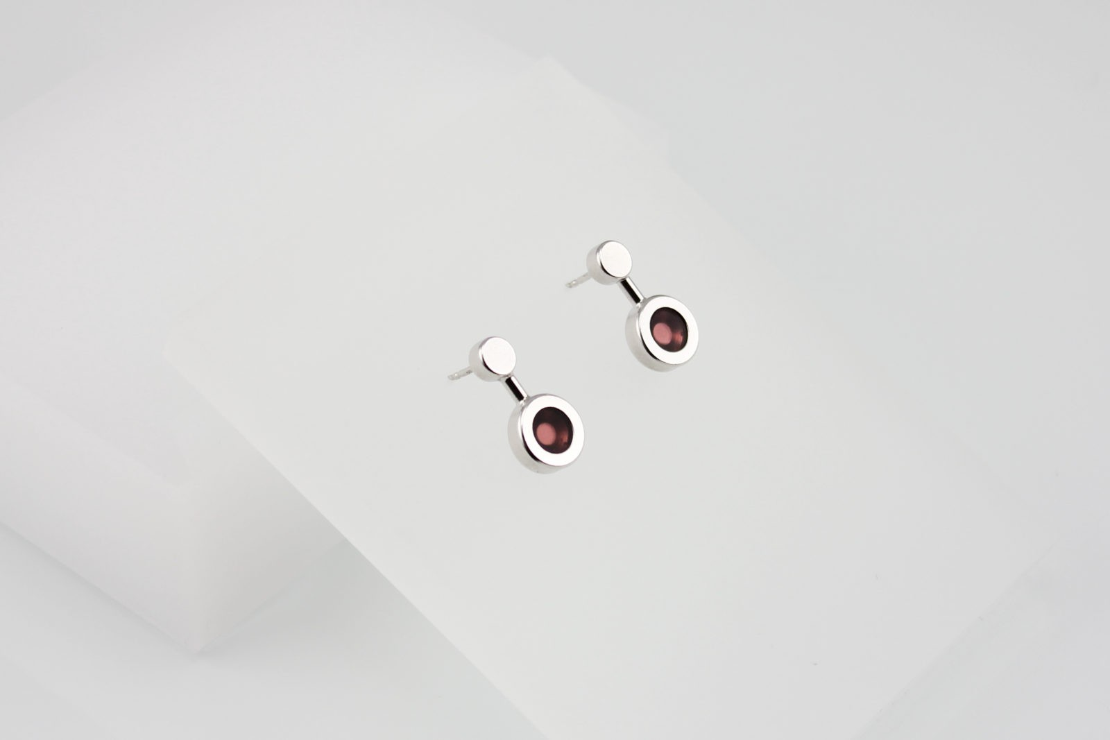 Kyō earrings small / rhodium-plated