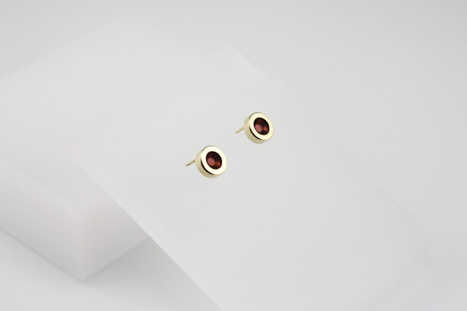 Kyō earrings dots / gold-plated