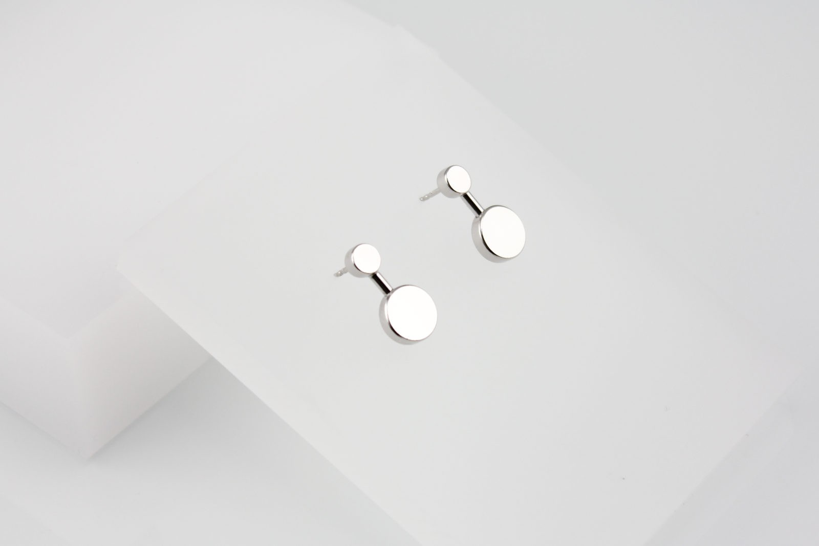 Kyō earrings small 3.400 CZK